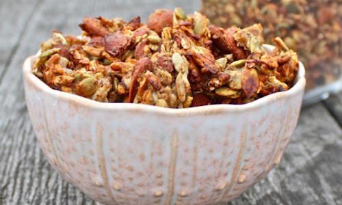 Recipe Banana Almond Granola Clusters